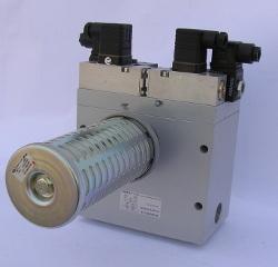 zdwojony rozdzielacz pneumatyczny z przekaźnikiem czasowym